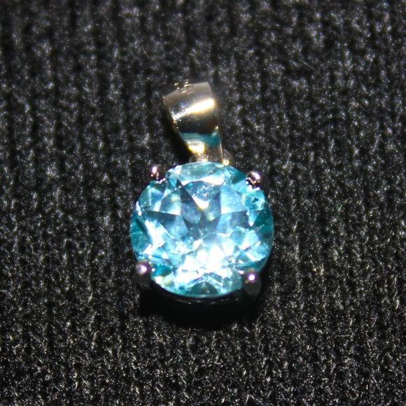 Jewelry - Silver Genuine Topaz s925 Necklace Pendant